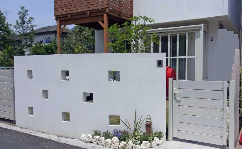 『門扉』にこだわった玄関周り~外構デザインは統一感がポイント~